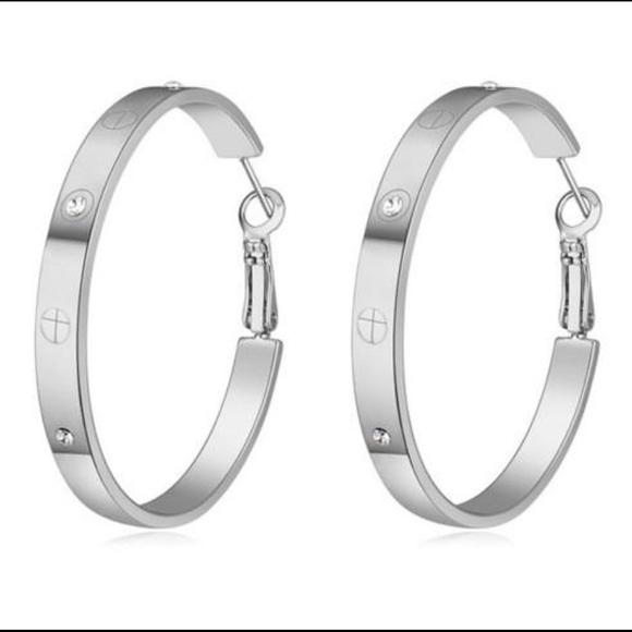 Jewelry - Cardi Earrings New FREE SHIPPING
